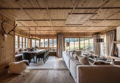 Chic Chalet, Chalet Style, Porch Windows, Chalet Interior, Chalet Design, Charming House, Interior Decorating, Interior Design, Small Places