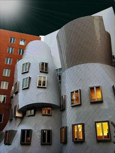 Gehry @ MIT in Boston.  This complex is mesmerizing in the middle of this beautiful city.  First visit to Boston, and I was connecting dots with my architecture interest.