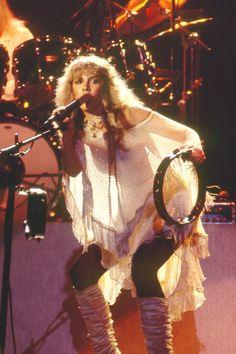 Stevie Nicks on stage with Fleetwood Mac Blondie Debbie Harry, Rock Roll, Metallica, Stevie Nicks Fleetwood Mac, Stevie Nicks Witch, Stevie Nicks Lyrics, Buckingham Nicks, Stephanie Lynn, Hippie Man