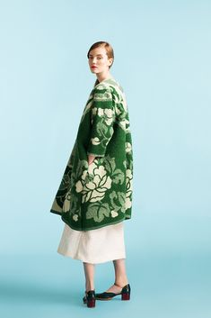 Marit Ilison Longing For Sleep Unique Coat Cool Outfits, Fashion Outfits, Womens Fashion, Green Wool Coat, Mein Style, Sweater Coats, Mode Inspiration, Knitwear, What To Wear