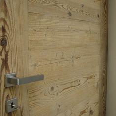 realizziamo porte in legno antico di recupero proveniente da baite e ...