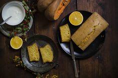 La ricetta del plumcake di zucca. morbido e profumato si presta bene per la colazione o la merenda di grandi e piccoli. Scopri la ricetta e provala subito!