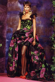 Christian Lacroix Haute Couture Fall-Winter 1990 Model Christy Turlington