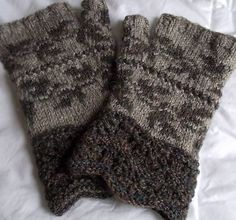 Ravelry: Foehn Mitts pattern by Lori Law
