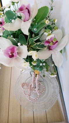 An alternative to Expensive Gifts: the Cheap Pearl Necklace