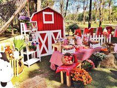 Amara's Barnyard Party – Birthday Farm Animal Party, Farm Animal Birthday, Barnyard Party, Farm Birthday, Farm Party, Barn Parties, Theme Parties, 2nd Birthday Party Themes, Party Ideas