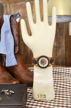 Some of our favorite Father's Day gift ideas (and a giveaway) | 11 Magnolia Lane #fathersday #giftideas #jordwatch #woodwatch