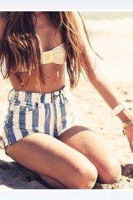 love the stripe shorts :D