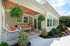 Here are 21 amazing small porch design ideas. 21 Amazing House Porch Design Ideas Part 2 Beautiful Small Porch. Screened Porch Designs, Front Porch Design, Patio Design, House Design, Indoor Sunroom Furniture, White Wicker Patio Furniture, Cane Furniture, Furniture Ideas, Sunroom Decorating