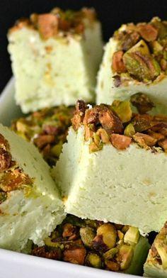 Pistachio Fudge @ELDA LORENA mi contribución en la búsqueda de el pastel de pistache ideal