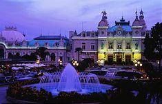 Casino de Monaco al atardecer.