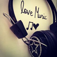 Find images and videos about love, amazing and music on We Heart It - the app to get lost in what you love. Black Wallpaper Iphone, Music Wallpaper, Cute Wallpaper Backgrounds, Love Wallpaper, Music Mood, Art Music, Music Chords, Guitar Photography, Music Drawings