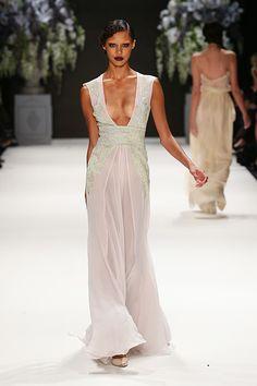 Tuvanam S/S 2014. Mercedes-Benz Fashion Week Istanbul.