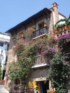 Las casas de Taxco son tan bonitas - Rodeados de plata