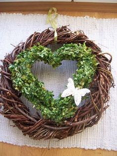 Gorgeous wreath that I would use through the winter