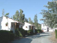 Calle de Bungalows en Camping el Torcal.