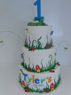 Bug Birthday Cake  (995) by Asweetdesign, via Flickr Bug Birthday Cakes, Dinosaur Birthday Party, Boy Birthday Parties, 5th Birthday, Birthday Ideas, Happy Birthday, Craft Party, Party Party, Bug Cake