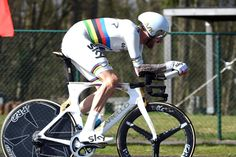 Bradley Wiggins on stage 3b of the 2015 3-Days of De Panne - wins for the first time whilst wearing the TT rainbow jersey.