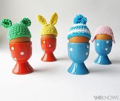 Level: medium // Für das Osterei oder Frühstücksei - extrem süss! // Gesehen bei: http://www.sheknows.com/living/articles/1033825/crochet-some-cute-hats-for-your-easter-eggs