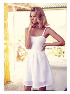 Such a pretty dress....