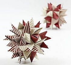 Christmas decoration from paper - Crafts Paper Christmas Decorations, Paper Ornaments, Christmas Ornaments To Make, Christmas Holidays, Ball Ornaments, Origami And Quilling, Paper Crafts Origami, Diy Paper, Christmas Origami