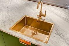badrumskran koppar - Sök på Google Cozy Kitchen, Kitchen Living, New Kitchen, Hacks Ikea, Neutral, Green Cabinets, Park Homes, Monochrom, Home Reno