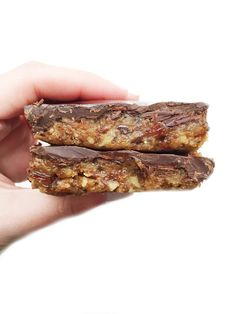 Quinoa Chocolate Crunch Bars by rachLmansfield Gluten Free Desserts, Healthy Desserts, Raw Food Recipes, Sweet Recipes, Delicious Desserts, Cooking Recipes, Healthy Recipes, Quinoa Desserts, Dessert Recipes