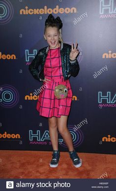 Download this stock image: New York, NY, USA. 11th Nov, 2016. JoJo Siwa at arrivals for Nickelodeon HALO Awards 2016, Pier 36, New York, NY November 11, 2016. © Kristin Callahan/Everett Collection/Alamy Live News - H8GN5P from Alamy's library of millions of high resolution stock photos, illustrations and vectors.