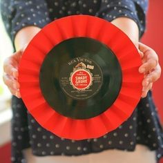 Diy Upcycled Record Medallions #howto #tutorial
