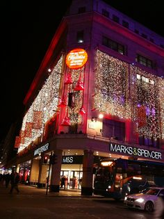 Christmas lights in Oxford Street-never been to London during Xmas...may need to think about that~~