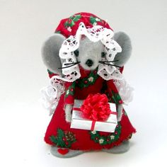 Christmas Ornament Gift Giver Mouse Felt Mice Holds Miniature Gift Sweet Tree…