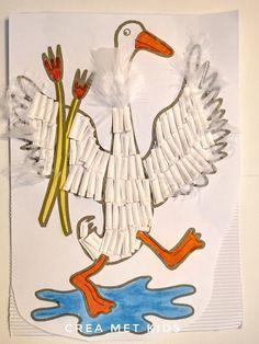 #Moppereend_van_papieren_bordje_DIY_knutselen Duck Crafts, Paper Plate Crafts For Kids, Craft Kits, Diy For Kids, Rooster, Disney Characters, Fictional Characters, Birds, Animals