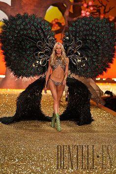 Victoria's Secret 2010 show - Lingerie