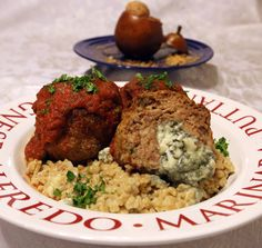 """Round 1, Challenge 3: Tim Hoffman calls his meal made with ground beef, blue cheese, pears and barley """"A Night in Italy."""""""