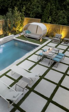 Best outdoor living space with pool collection - Spark Love Small Backyard Design, Backyard Patio Designs, Small Backyard Landscaping, Modern Backyard, Backyard Ideas, Small Pool Backyard, Landscaping Borders, Landscaping Jobs, Pool Pavers