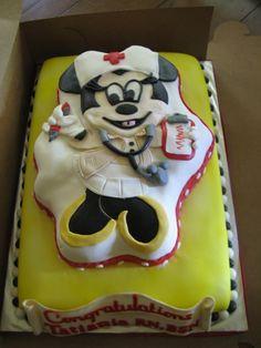 My future graduation cake from nursing school Graduation Celebration, Graduation Cake, Graduation Ideas, Medical Cake, Nursing School Graduation, Disney Vacations, Amazing Cakes, Yummy Food, School Life