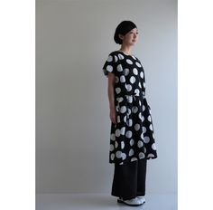 One sizes fits all, sleeveless dress made of 100% silky muslin wool. #kyoto, #sousou, #kimono, #polkadots