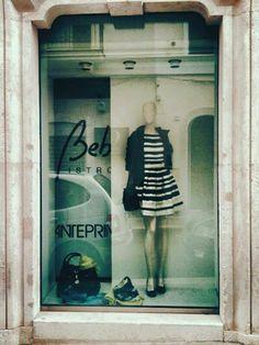 Nel nostro punto vendita a Bari, una vetrina Princesse Metropolitaine....quando il connubio tra palazzi antichi e abiti moderni sono perfetti insieme.... #fashion