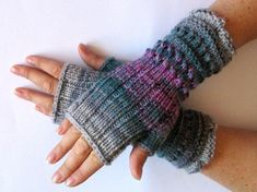 Items similar to Fingerless Gloves Mittens wrist warmers Violet Purple Blue Burgundy Green Gray Dove, knit on Etsy Loom Knitting Patterns, Hand Knitting, Knitting Tutorials, Hat Patterns, Stitch Patterns, Fingerless Gloves Knitted, Crochet Gloves, Wrist Warmers, Hand Warmers