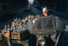 Dostawca syfonów, Budapeszt, 1988, Węgry. Foto © Chris Niedenthal