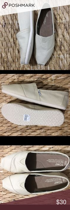 Cream Canvas Classic Toms NWT - never worn and in a fantastic neutral color! TOMS Shoes Sneakers