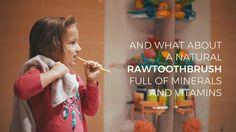 بـ #الفيديو   شركة أجنبية تروج لـ #السواك بديلا عن فرشاة الأسنان والمعجون   #الوطن #منوعات
