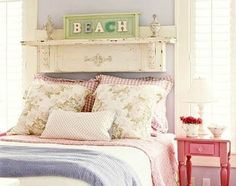 30 Beautiful Coastal Beach Bedroom Decor Ideas - Coastal Decor Ideas and Interior Design Inspiration Images Beach Cottage Style, Beach Cottage Decor, Coastal Cottage, Coastal Decor, Beach House, Rustic Cottage, Lake Cottage, Cottage Chic, Coastal Living