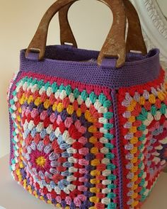 Marvelous Crochet A Shell Stitch Purse Bag Ideas. Wonderful Crochet A Shell Stitch Purse Bag Ideas. Crotchet Bags, Knitted Bags, Crochet Handbags, Crochet Purses, Crochet Shell Stitch, Knit Crochet, Purse Patterns, Crochet Patterns, Granny Square Bag