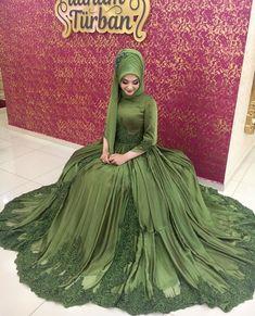 Hijab Clothing Sites in Europe, www.tesetturelbis …, turbindalli - Hijab Clothing Sites in Europe, www. Bridal Hijab Styles, Muslim Wedding Dresses, Muslim Brides, Bridal Dresses, Hijabi Gowns, Hijab Dress, Beautiful Hijab, Beautiful Outfits, Hijab Style Tutorial