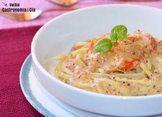 Tallarines con salsa de nata, tomates y anchoas Frittata, Risotto, Tapas, Spaghetti, Ethnic Recipes, Base, Tortilla, Food, Gastronomia