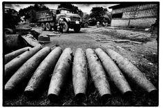 Landmines in Laos - STILL - product of the Vietnam war :-( - Laos : The cursed metal - Tim Dirven | Handicap International
