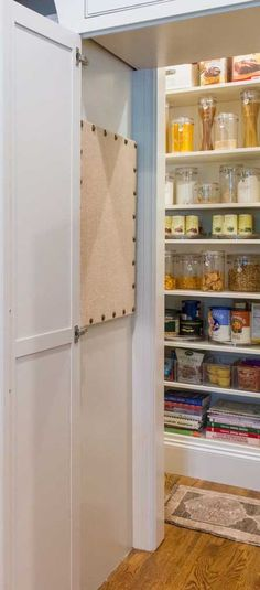 Impressive kitchen pantry cupboard for 2019 pantry Simple Kitchen Design, Cute Kitchen, Best Kitchen Designs, Beautiful Kitchen, Kitchen Themes, Kitchen Layout, Kitchen Ideas, Kitchen Decor, Kitchen Pantry Cupboard
