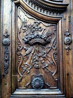 1700's door Aix en Provence, France Knobs And Knockers, Door Knobs, Door Handles, Entrance Doors, Doorway, Front Doors, Aix En Provence, Provence France, Doors Galore