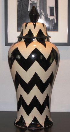 LOFT32: Onyx Zigzag Ginger Jar